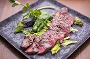 黒毛和牛 赤身肉のステーキ